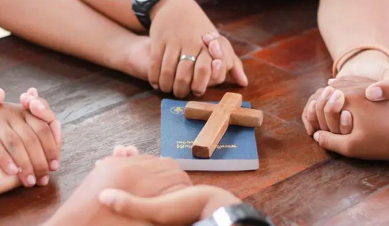 Bersatu dalam Pelayanan (Efesus 4: 11-16)